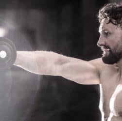 Лучшие упражнения для роста мышц плеч